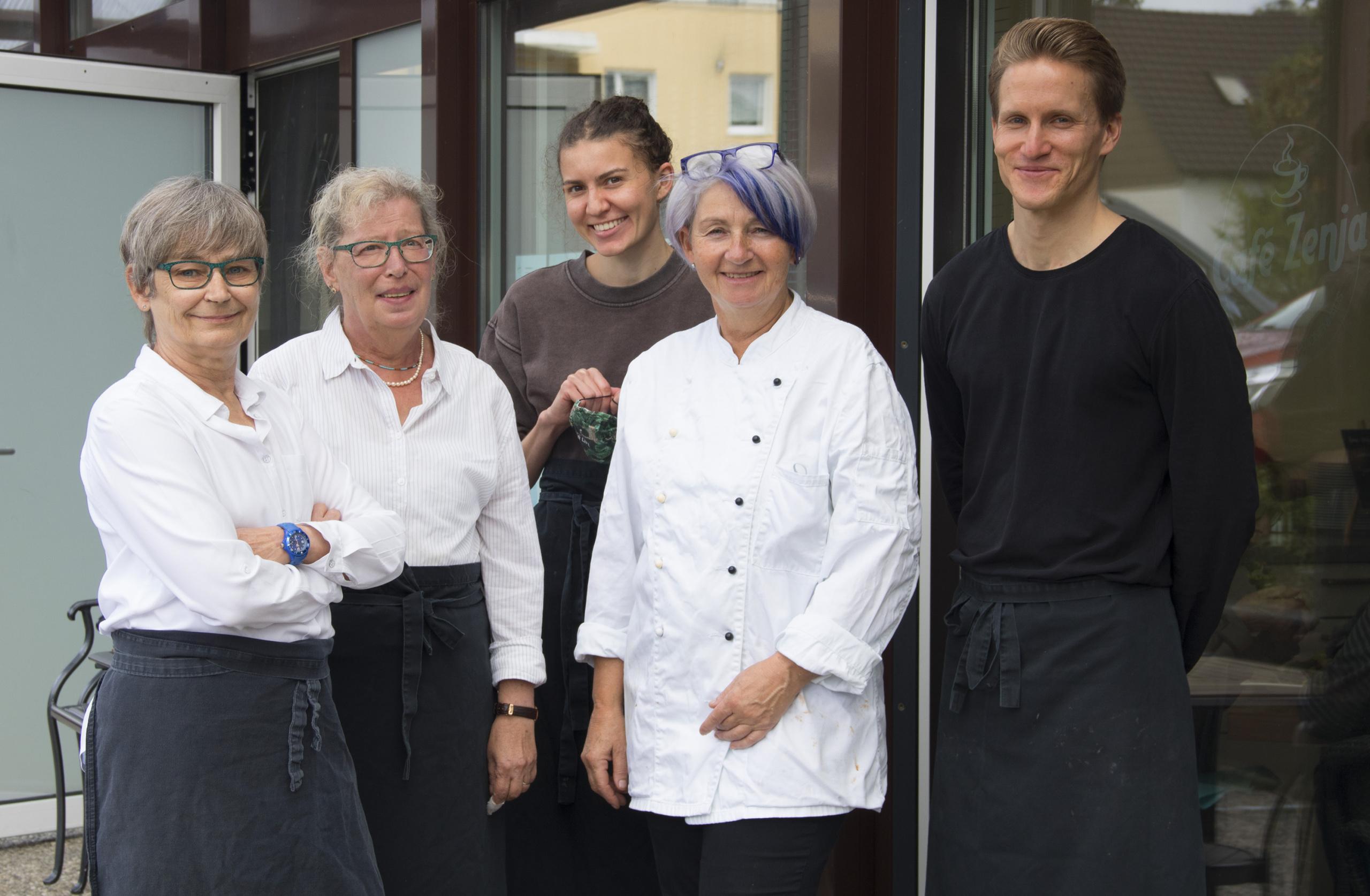 Das Team des Café Zenja